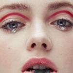 Strass na maquiagem: Confira essa tendência